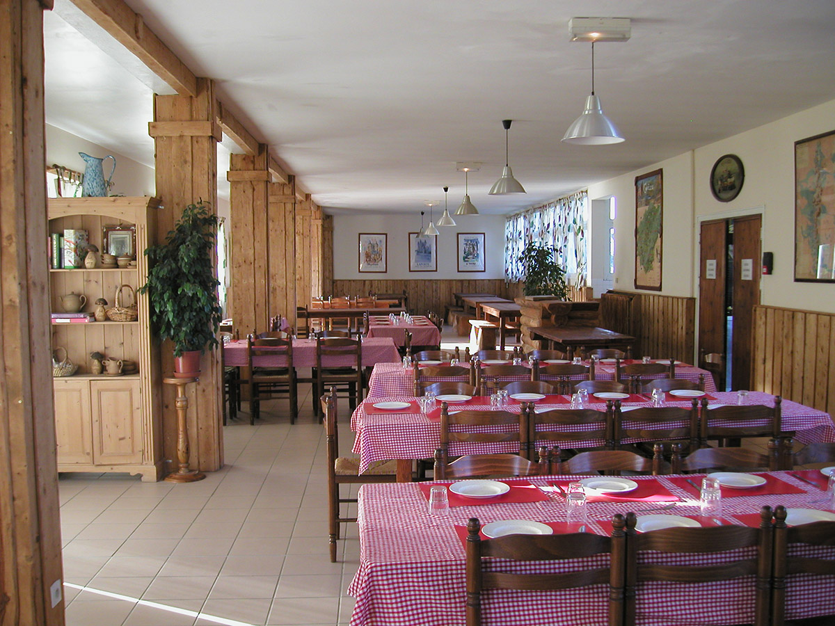 dining room france club correze